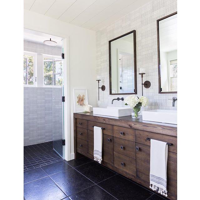 Best 25 Modern Farmhouse Bathroom ideas on Pinterest  Modern farm style bathrooms Farmhouse