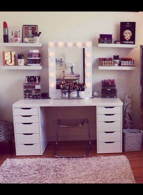 Best 25 Makeup desk ideas on Pinterest  Vanity Diy makeup vanity and Beauty desk