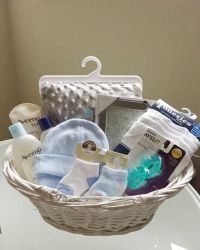 Best 25+ Baby baskets ideas on Pinterest | Baby girl gift ...