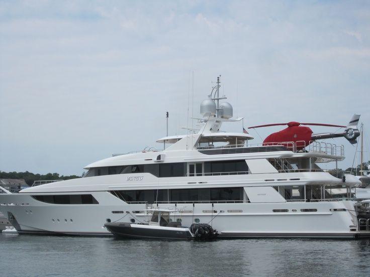 Another Oprahs Yacht Vango VanGo Mega Yacht Vineyard
