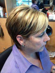 blonde highlights light brown short