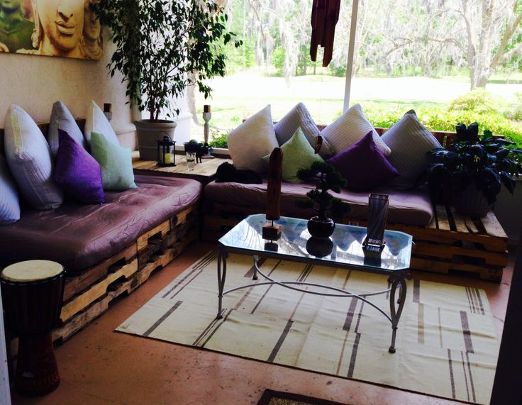 diy sofa from pallets addison ashley wood and twin mattress sectional couch bed ...