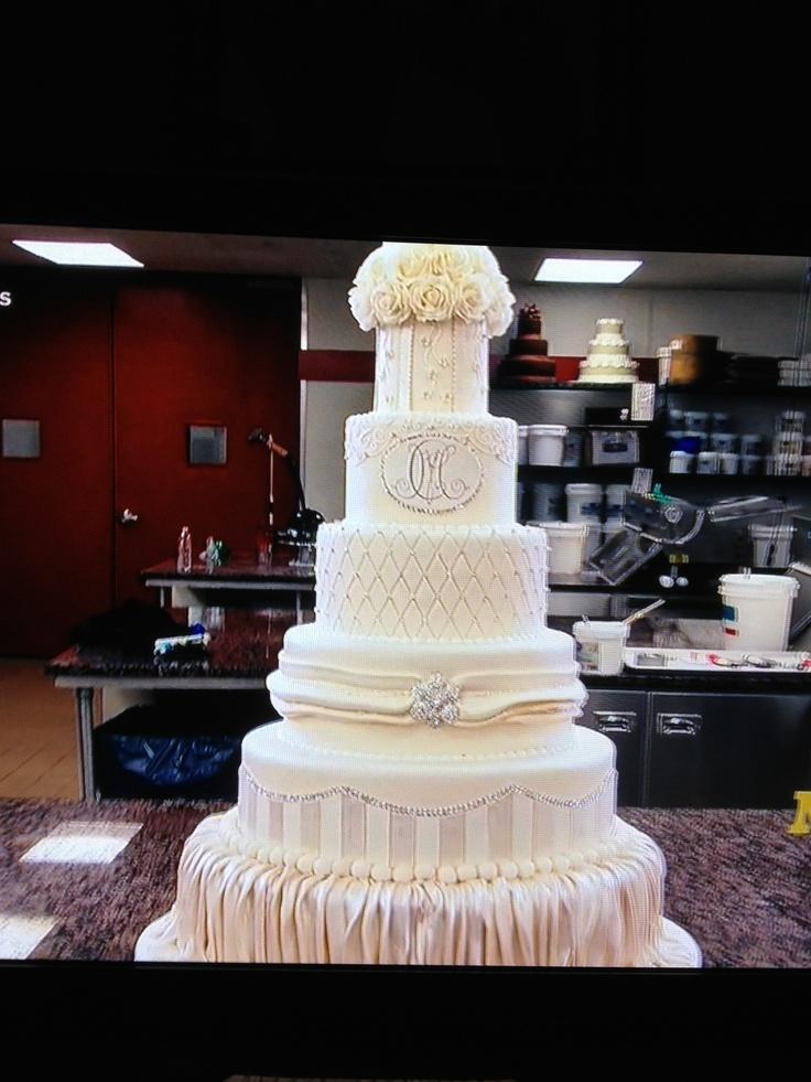 Mario Lopez wedding cake made by Cake Boss  Carlos