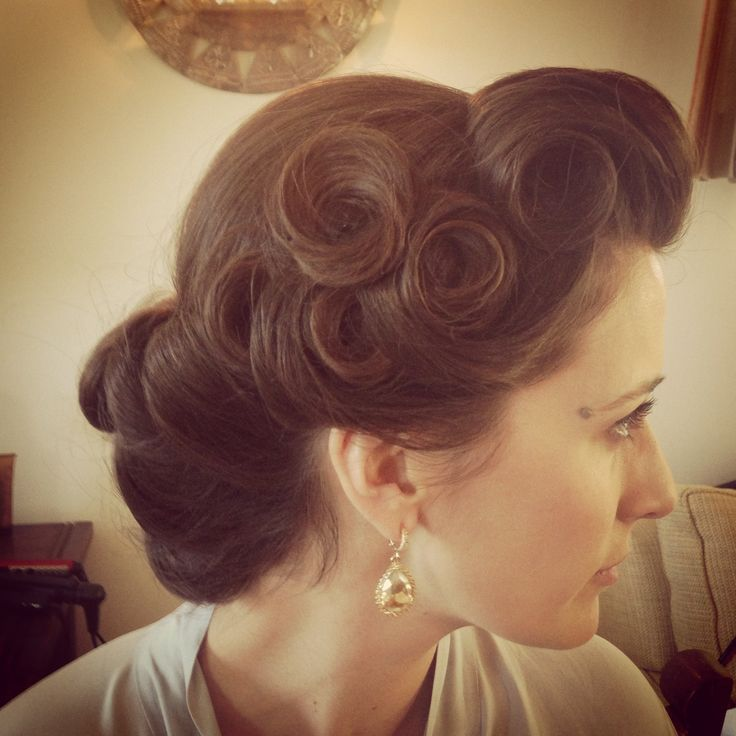 25 Best Ideas About Pin Curls On Pinterest Pin Curl Clips