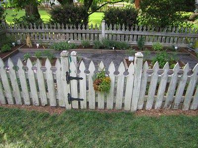 25 Best Ideas About Picket Fence Garden On Pinterest Picket