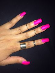 square acrylic nails. bright pink