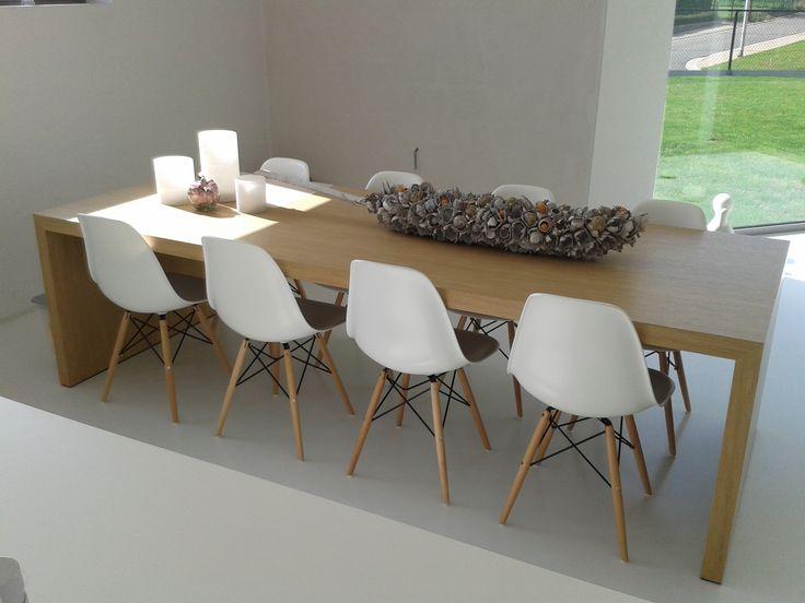 Eiken tafel Eames stoelen tafel deco  Stilobadstraat