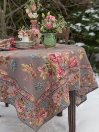17 Best images about Table Cloths & Runners & Mug Rugs on ...