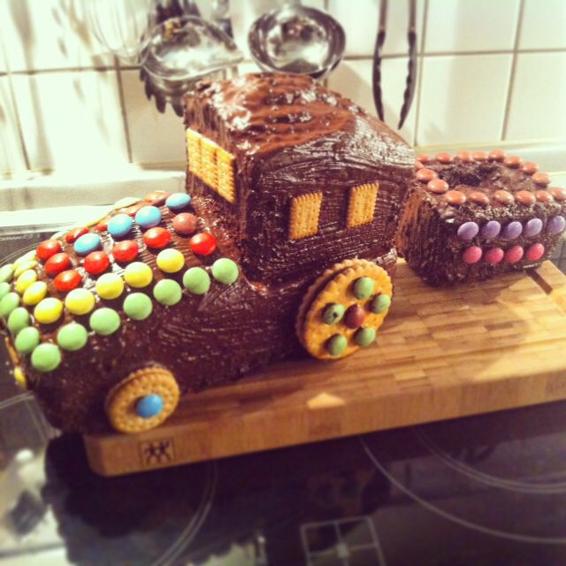 40 best images about Geburtstagskuchen on Pinterest  Car cakes Birthday cupcakes and Pirates