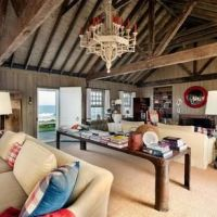 お宅拝見(売り物件):アンディ・ウォーホルの岬の家