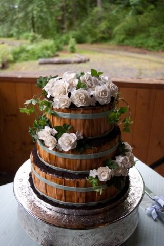 25 Best Ideas about Country Wedding Cakes on Pinterest  Country wedding decorations Rustic