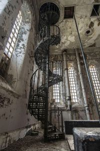 1000+ ideas about Spiral Staircases on Pinterest | Stairs ...