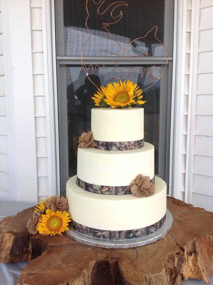 Wedding cake with camouflage ribbon  CakeCupcake Decorating  Pinterest  The ojays Wedding