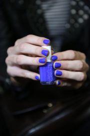 vibrant blue nails reed