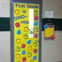 Back to School door decoration | school ideas | Pinterest ...