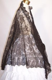 1000+ images about Russian and Spanish shawls and scarves ...