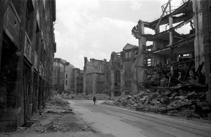 17 Best images about Berlin 1945 on Pinterest  Brandenburg gate German women and Berlin