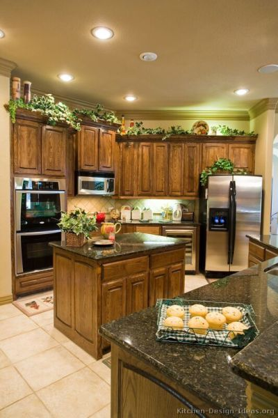 friends kitchen ideas Traditional Medium Wood-Brown Kitchen Cabinets #08 (Kitchen-Design-Ideas.org) | Ideas for