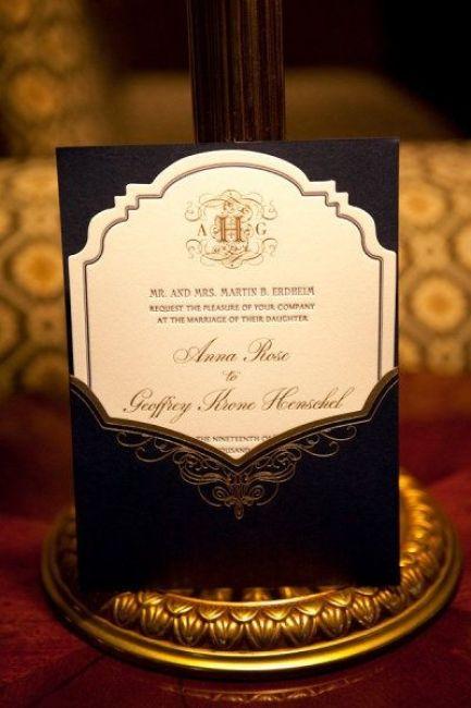 Tradicional y sofisticada invitacion de bodas de Shira Weinberger: