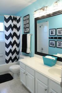 i am in LOVE with the tiffany blue in this bathroom. i can ...