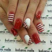 red nail design short nails