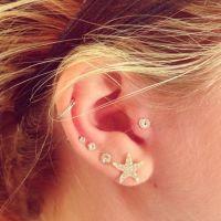 Swirl tragus earring