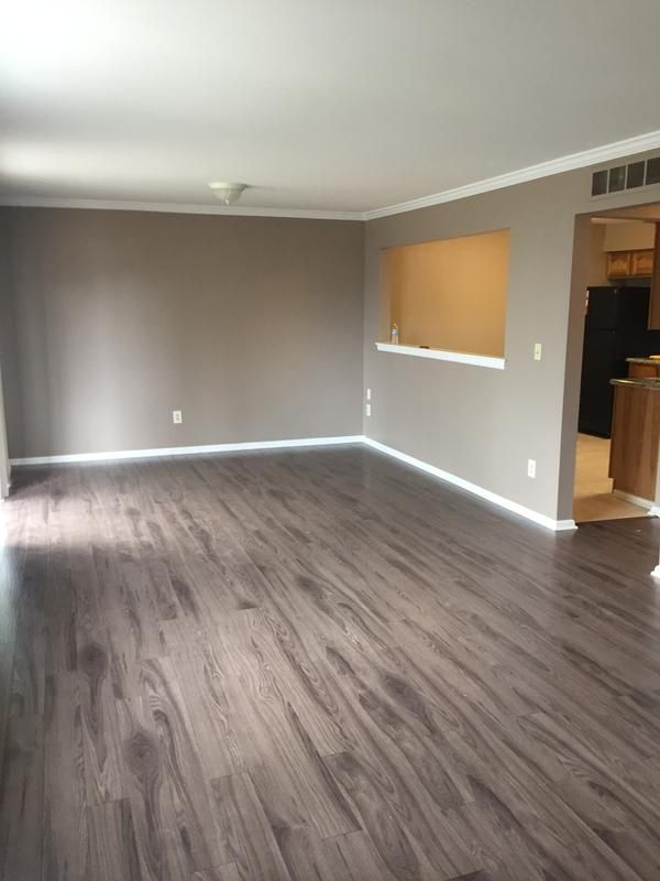 Sleepy Creek Mountain Oak  a 12mm Dream Home Laminate
