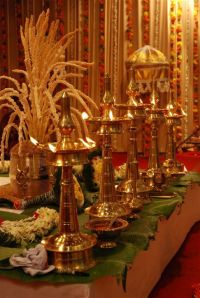 The Must Have Piece of Kerala Decor - Nilavilakku | Hindus ...