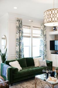 Best 25+ Green sofa ideas on Pinterest | Green living room ...