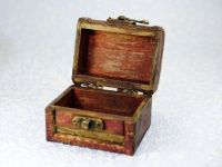 1000+ ideas about Wooden Box With Lid on Pinterest ...