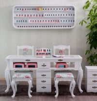 The 25+ best Manicure Table Ideas on Pinterest | Nail ...
