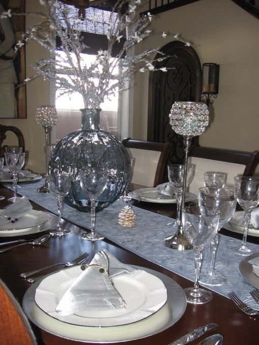 blue silver dining table decor  Christmas table setting