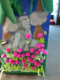 Horton Hears a Who door decoration | Class mom ideas ...