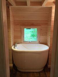 25+ best ideas about Small bathtub on Pinterest | Small ...