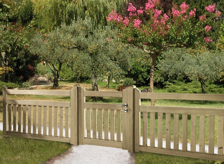 The 25 Best Ideas About Front Yard Fence On Pinterest Front