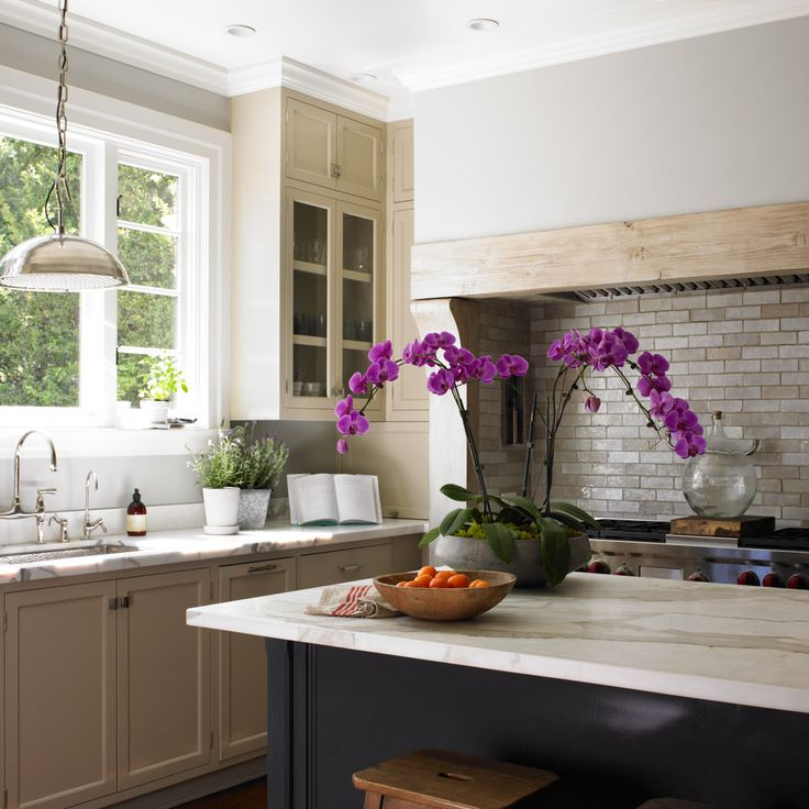 cabinet colors for small kitchens large kitchen pantry dunn-edwards paints paint colors: walls: dolphin tales ...