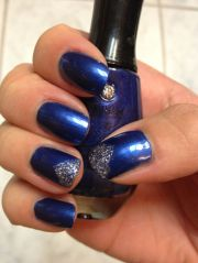 royal blue nails with touch of