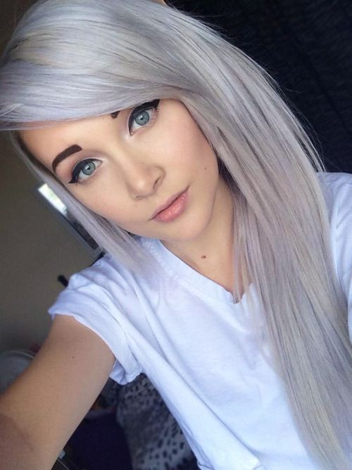 Grey Highlights On Natural Hair Gray Hair Would Totally Do Gray Highlights If Possible