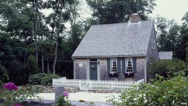 Half cape Cape Cod style homes Pinterest Colonial