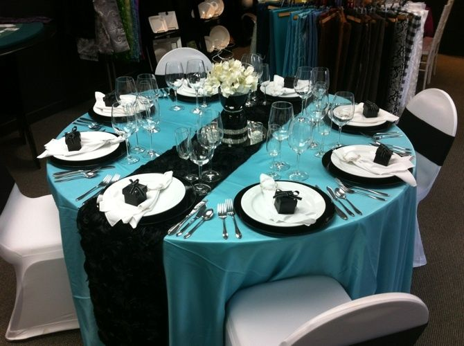 Tiffany Blue Round Table Settings
