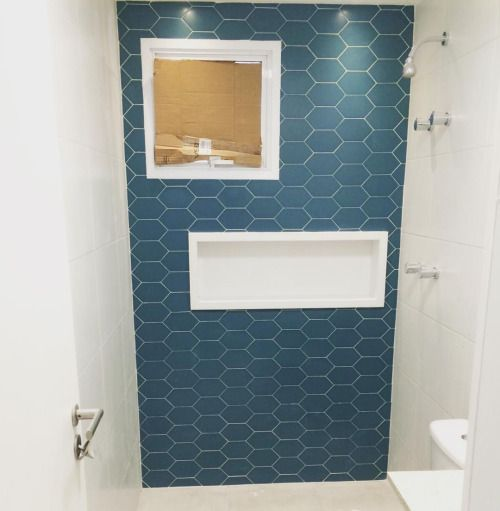 Projeto de um banheiro lindo sendo finalizado