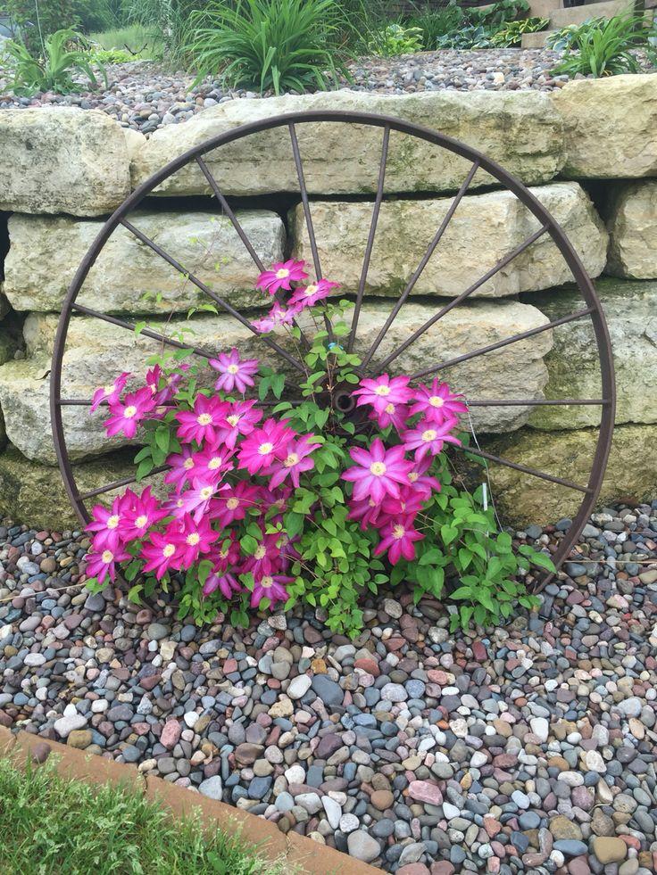25 Best Ideas About Wagon Wheel Garden On Pinterest Wagon