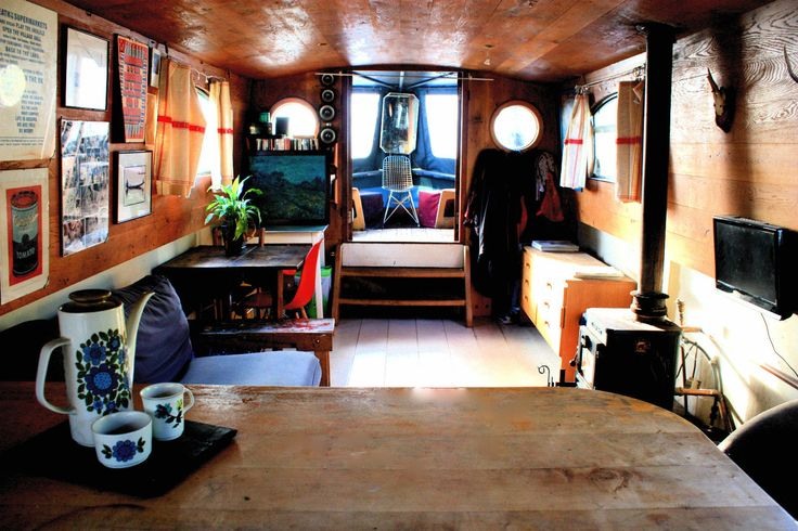 Widebeam Narrowboat 60ft Cruiser Stern BELLATRIX  Boats