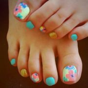 floral nail art - pedicure pink