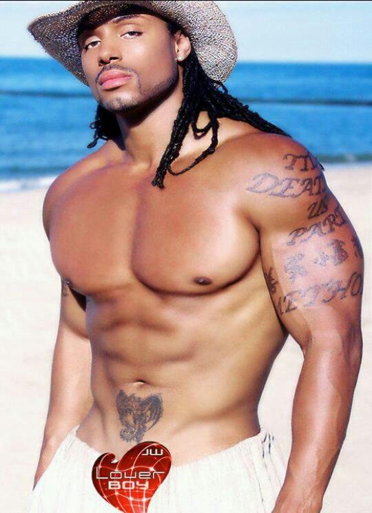 BLACK MEN ROCKdark skin long hair muscles and tatsoh  A little something something