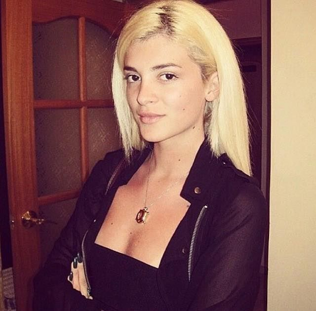 Foto Era Istrefi Pa Makeup Show Bizi Shqiptar