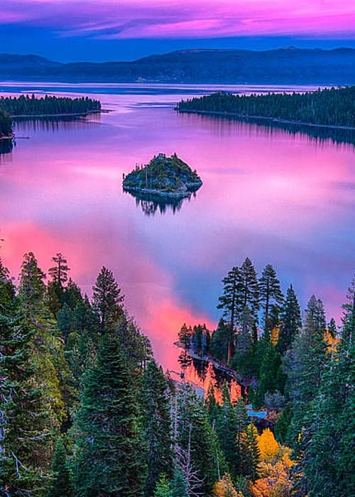 USA, California, Lake Tahoe in the afternoon: