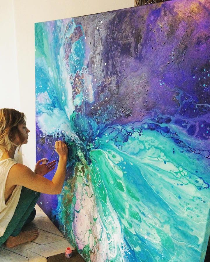 Interview: Ethereal Marbled Paintings Express the Inner Light Inside All of Us – My Modern Met