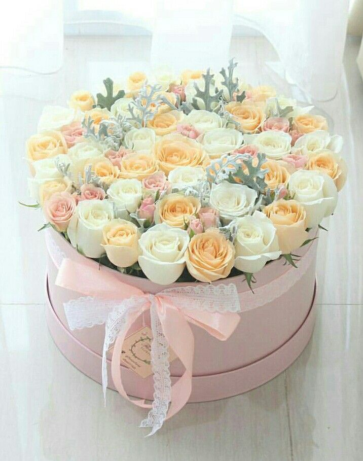 60 best images about Hat Box Flowers on Pinterest  Floral arrangements Pink roses and