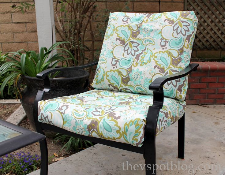 No Sew Project: How To Recover Your Outdoor Cushions Using